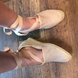 Truly adorable espadrilles sandals Sundance